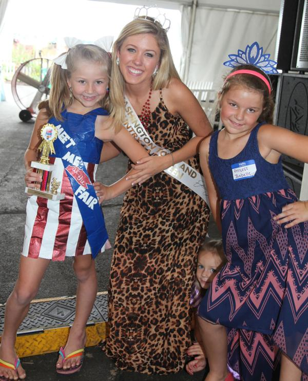 036 Queen for a Day 2014.jpg