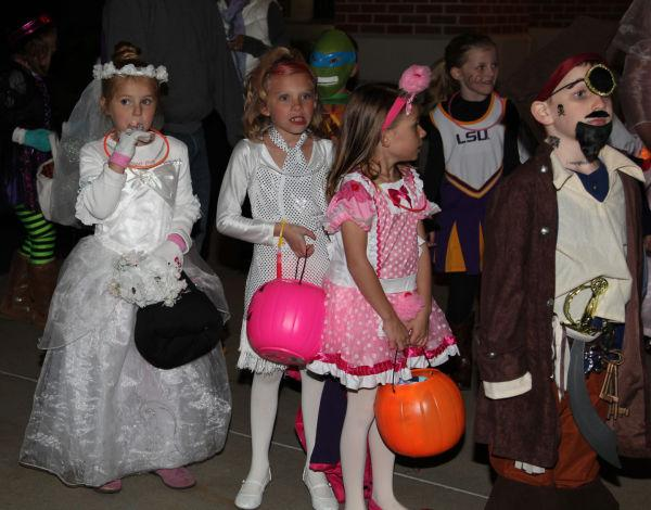 016 OLL trunk or Treat.jpg
