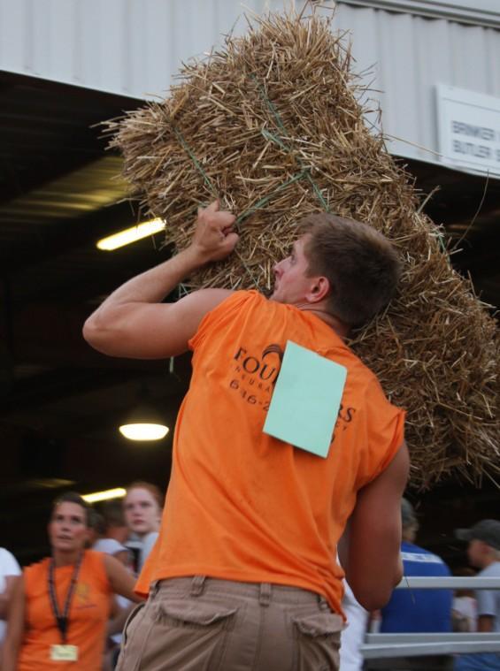 028 Fair Super Farmer Contest.jpg