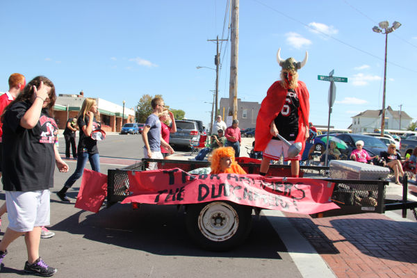 013 UHS Homecoming parade 2013.jpg