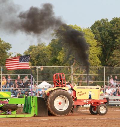 011 Fair Tractor Pull.jpg