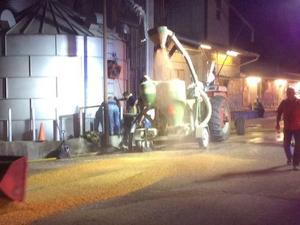 Crews Respond to Grain Bin Fire At Straatmann Feed