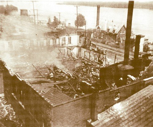 Gambles Warehouse Fire on Front Street, May 1942