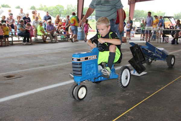 025 Pedal Tractor Pull 2014.jpg