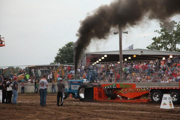 049 Tractor Pull Fair 2013.jpg