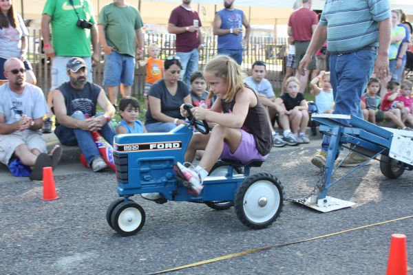 010 Franklin County Fair Pedal Tractor Pull.jpg