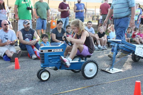 010 Franklin County Fair Pedal Tractor Pull.jpg