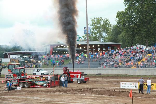 005 Tractor Pull at the Fair 2014.jpg