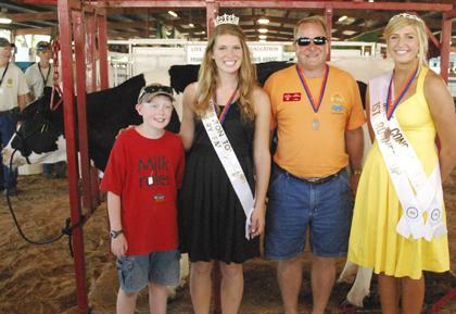 Milking Contest TC Fair 023.jpg