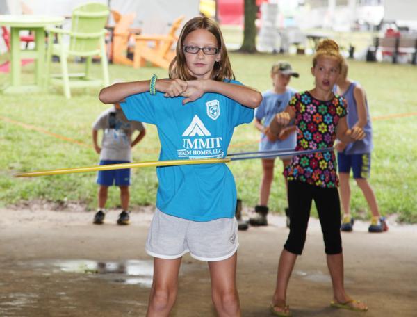 019 Fair Hula Hoop Contest 2014.jpg