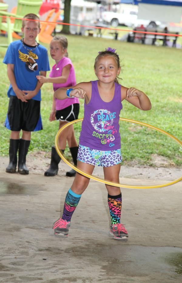 012 Fair Hula Hoop Contest 2014.jpg