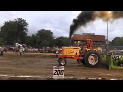 Tractor Pull at 2014 fair