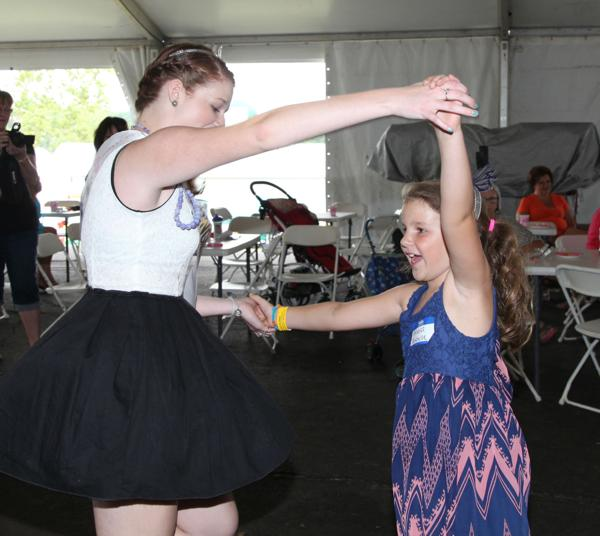 038 Queen for a Day 2014.jpg