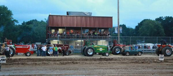 022 Tractor Pull at the Fair 2014.jpg