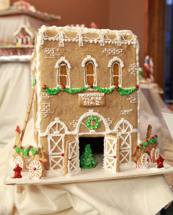 002 Gingerbread Houses 2013.jpg