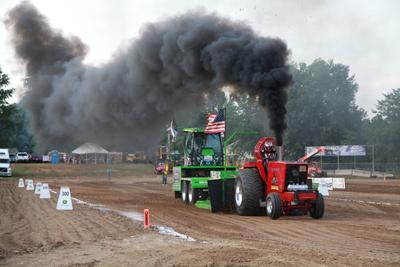 036 Fair Tractor Pull.jpg