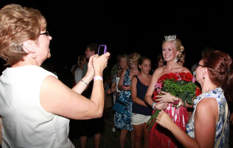 041 Fair Queen Contest.jpg