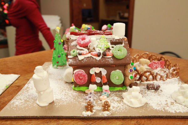 011 Gingerbread Houses 2013.jpg