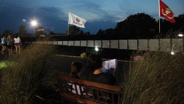 043 Moving Wall Thursday Evening in Wahington.jpg