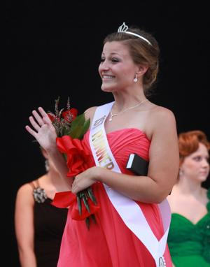 027 Fair Queen Contest 2014.jpg