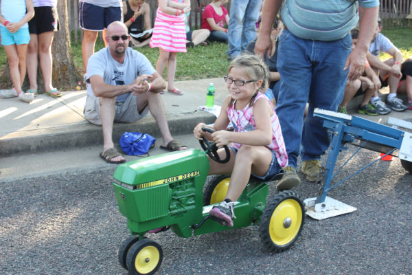 012 Franklin County Fair Pedal Tractor Pull.jpg