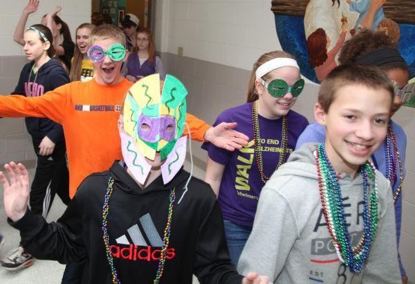 005 St Gertrude Mardi Gras 2014.jpg