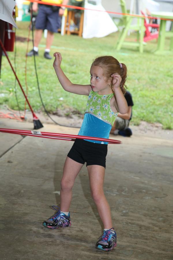 013 Fair Hula Hoop Contest 2014.jpg