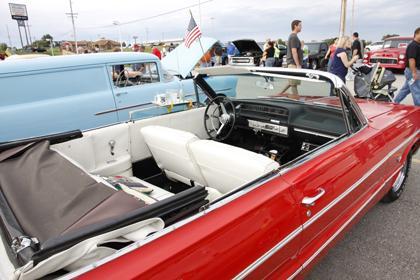 008 Modern Auto 2nd Annual Cruise Night.jpg