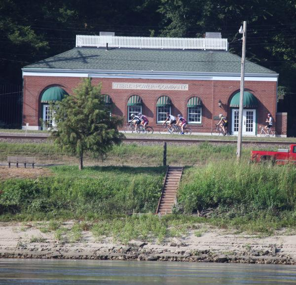 019 Scenes from the River Aug 2013.jpg
