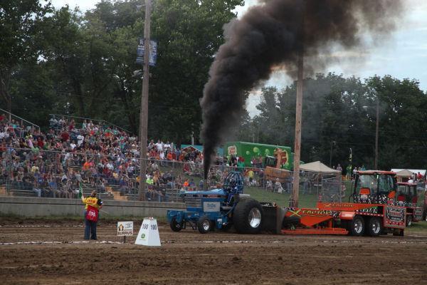 046 Tractor Pull Fair 2013.jpg