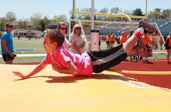 027 7th and 8th Grade Track and Field.jpg