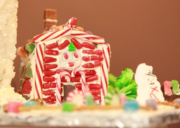 022 Gingerbread Houses 2013.jpg