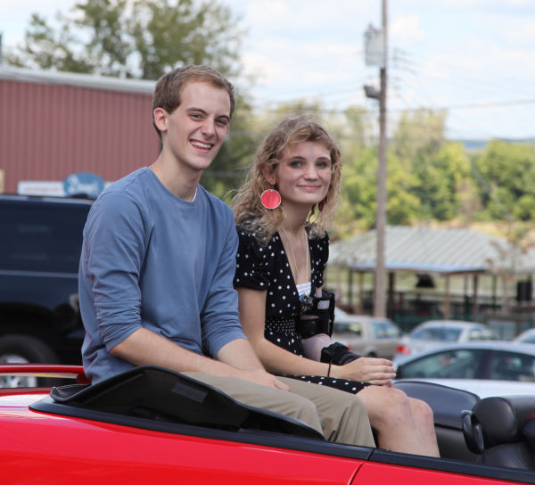 020 SFBRHS Homecoming Parade.jpg