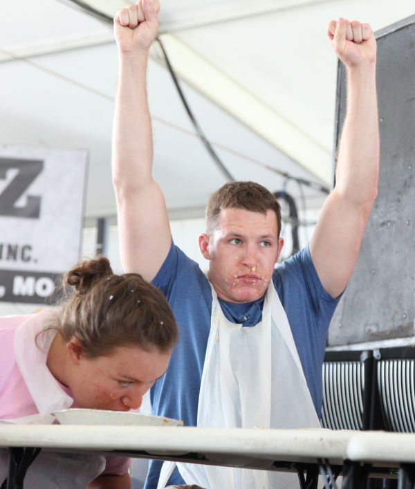 041 Pie Eating Contest 2013.jpg
