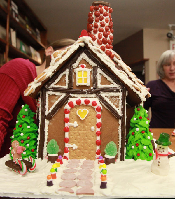 018 Gingerbread Houses 2013.jpg