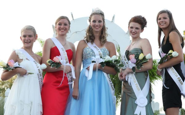 037 New Haven Youth Fair Queen Contest 2013.jpg