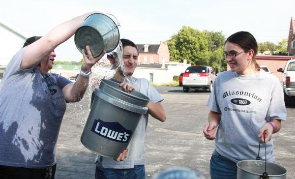 019 Washington Missourian Newspaper Ice Bucket Challenge.jpg