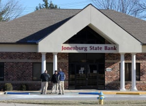 Jonesburg State Bank in Warrenton Robbed; Suspect in Custody