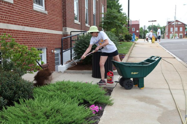 011 Downtown Clean Up Day 2014.jpg