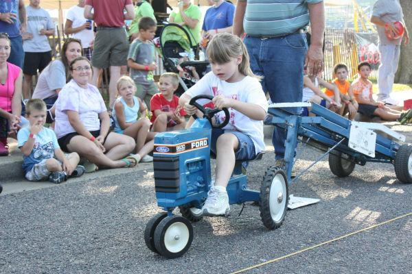006 Franklin County Fair Pedal Tractor Pull.jpg