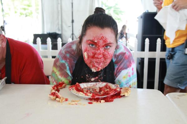 030 Pie eating Contest at fair 2014.jpg