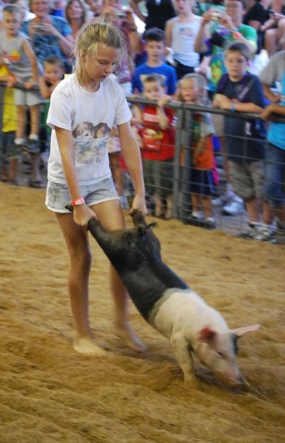 019 Washington Fair Pig Chase.jpg