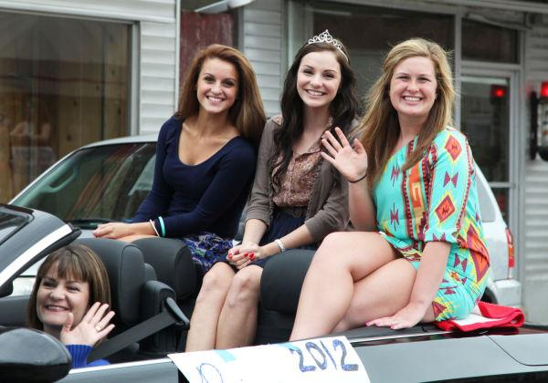 013 WHS Homecoming Parade 2013.jpg