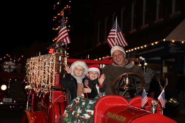 026 Holiday Parade of Lights 2013.jpg