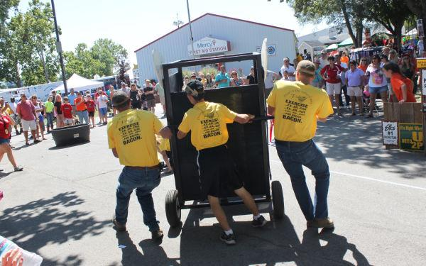 008 Outhouse Races 2013.jpg