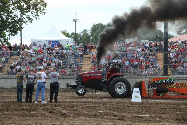 017 Tractor Pull Fair 2013.jpg