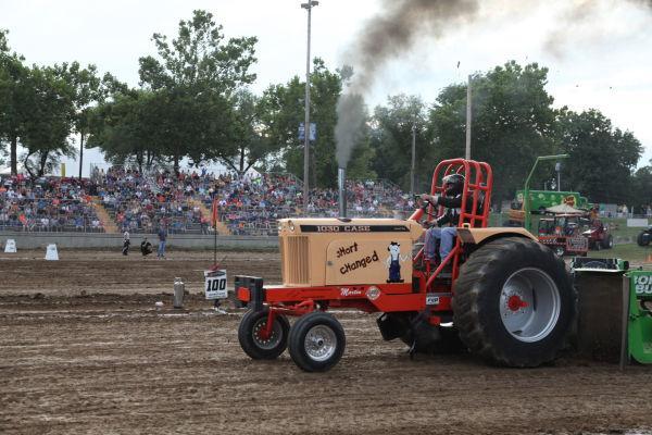 002 Tractor Pull Fair 2013.jpg
