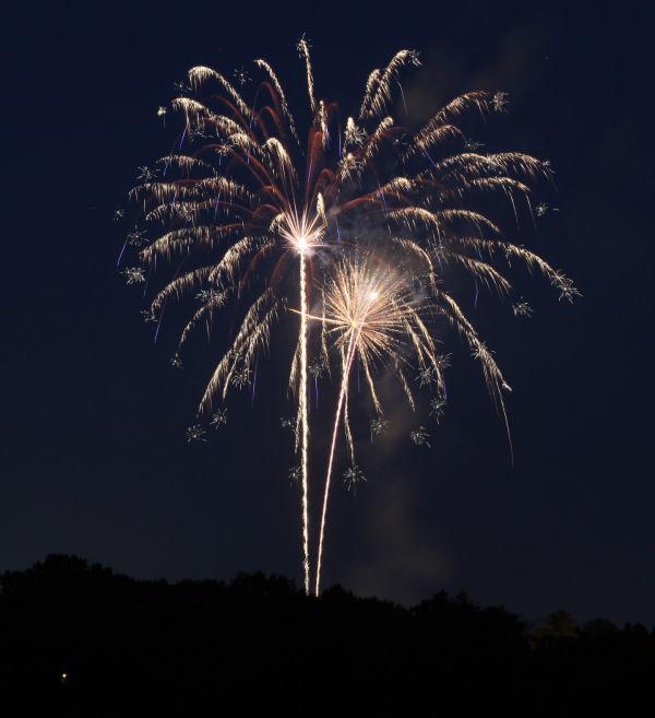 002 Washington MO Fireworks.jpg