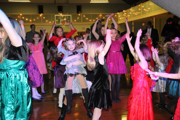 022 Washington Sweetheart Dance.jpg