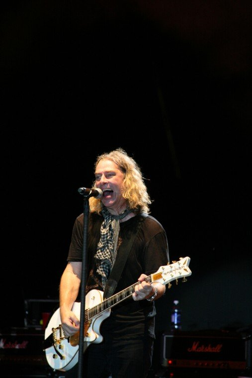 031Collective Soul Play TnC Fair 2011.jpg